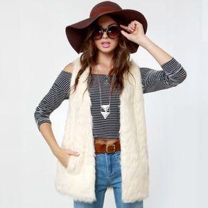 BB Dakota Scotlyn Ivory fur vest